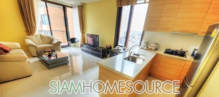 Spanish Style Luxury 2 Bedroom Condo in Quiet area of Sukhumvit