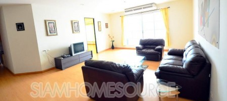Centrally Located – 3BR Asoke Penthouse 289 Meters from Asok BTS Station