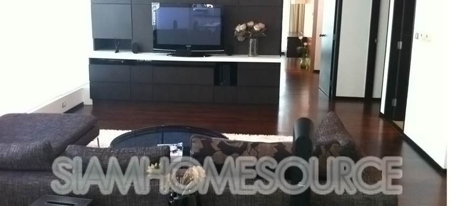 Well Furnished, Spacious 3 Bedroom Thonglor Condo for Sale