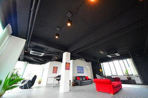 bangkok-loft-style-condo-exposed-ceilings-changed-layout